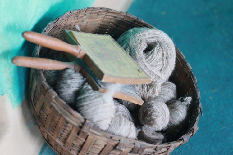 自家的綿羊,自家的毛線,自家的布,自製的衣服