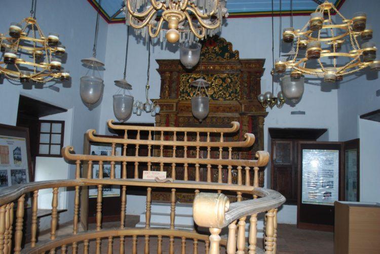 印度僅存 17世紀猶太教會堂在北柯欽的Muziri 內部