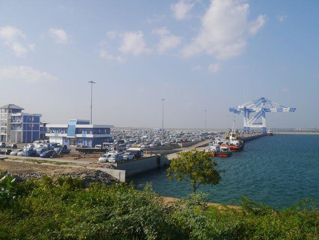 漢班托塔港成為中國投資興建的項目