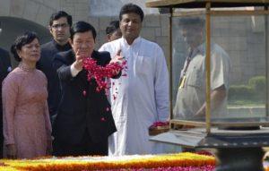 越南總理致新德里甘地紀念館致敬
