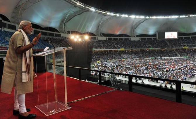 圖片來源:http://www.rediff.com/news/report/top-10-quotes-from-modis-speechdubai-cricket-stadium/20150817.htm