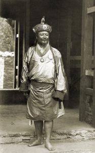 ↑ 不丹第一任國王─烏顏.旺楚克(Ugyen Wangchuk)