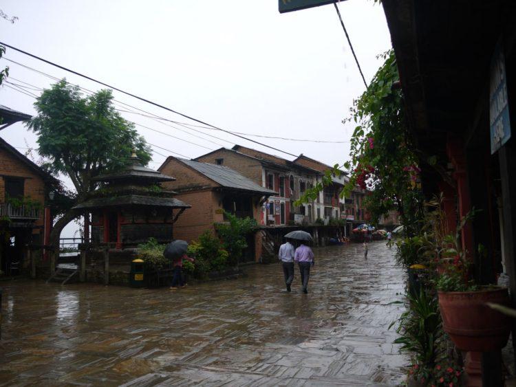 美麗的班迪布爾(Bandipur),天氣好可清楚遠眺喜馬拉雅山,是此次嚴重災區之一