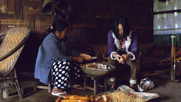 ●吳可熙—飾演返鄉奔喪開啟自由契機的女子,就算冒險也要掌握自己的人生