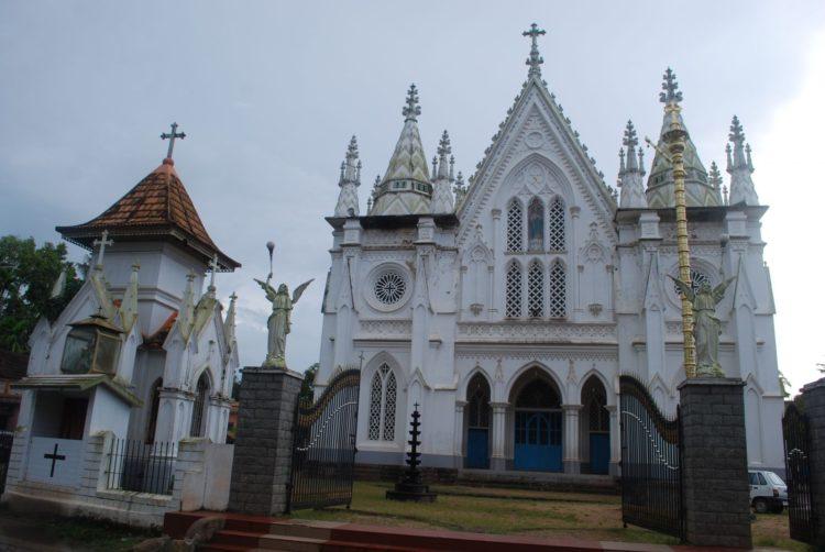 St_Thomas 公元 52-54年來喀拉拉 建了 7所教堂之一的原址