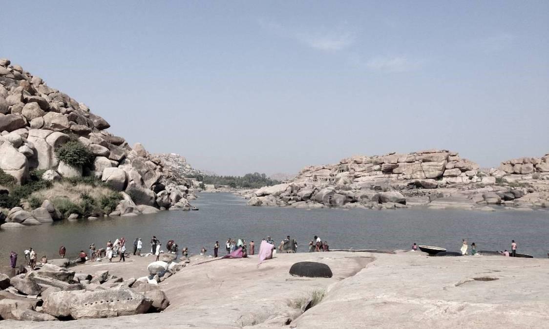 cross the river in Hampi