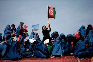 圖/ 阿富汗在槍口下還是如期進行民主選舉,証明阿富汗人民渴望民主的信念。